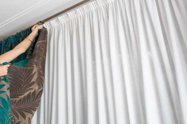 Cleaning-Drapes-Zebrablinds.ca